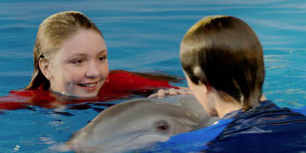 MOVIE REVIEW: Dolphin Tale 2 - CYNOBS